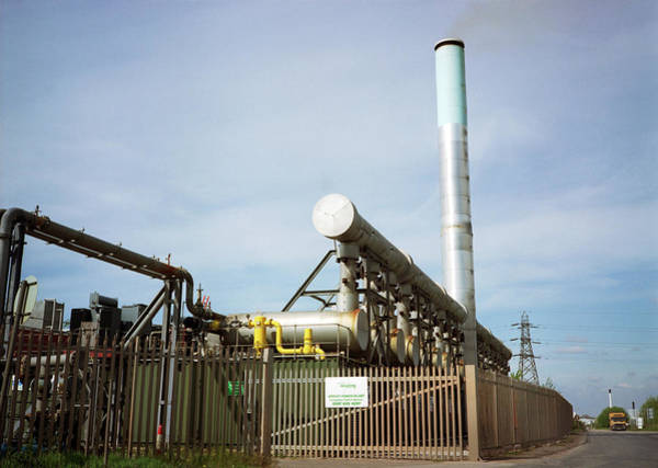 Facilities Photograph - Arpley Landfill Power Generation Plant by Robert Brook/science Photo Library
