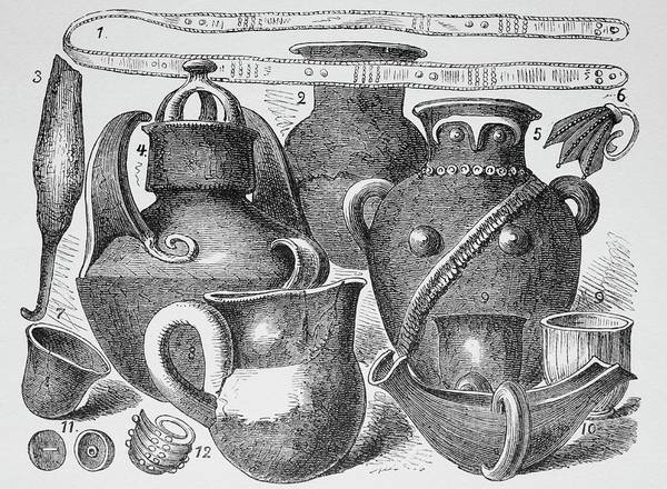 Urn Photograph - Artefacts Excavated At Troy by Bildagentur-online/th Foto/science Photo Library