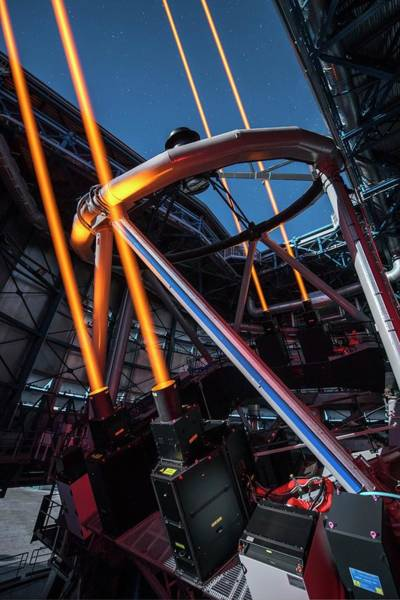 Laser Photograph - Artificial Laser Stars At The Vlt Over Paranal by G. Hudepohl/european Southern Observatory/science Photo Library
