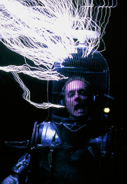 Discharge Photograph - Artificial Lightning by Peter Menzel/science Photo Library