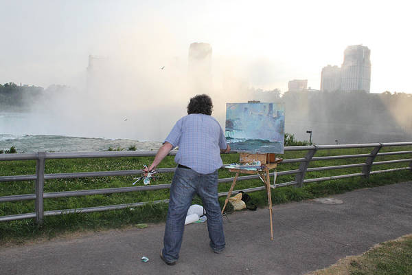 Outdoor Wall Art - Photograph - Artist At Work Niagara Falls Ny by Ylli Haruni