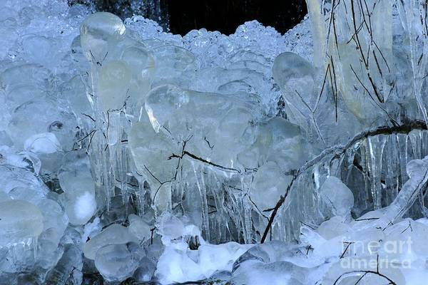 Photograph - Artistry In Ice 8 by David Birchall
