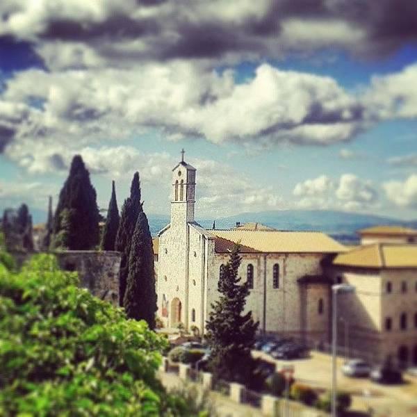 Green Photograph - Assisi. San Francesco Place by Raimond Klavins