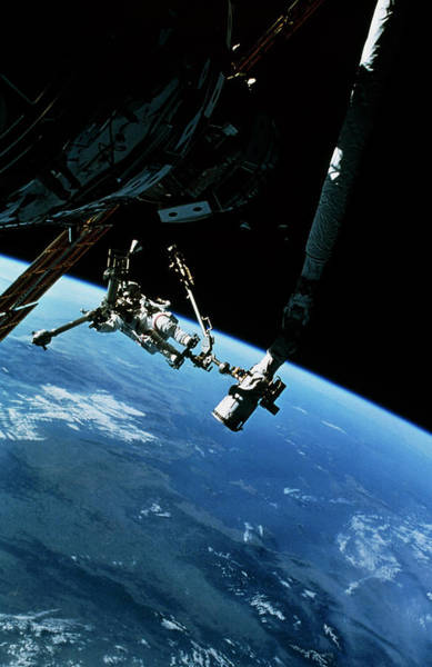 Station To Station Photograph - Astronaut Jernigan On Spacewalk On Space Station by Nasa/science Photo Library