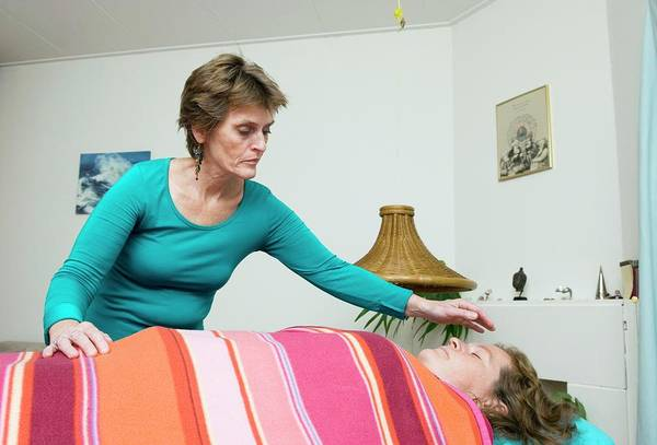 Handling Photograph - Aura Healing Therapy by Henny Allis/science Photo Library