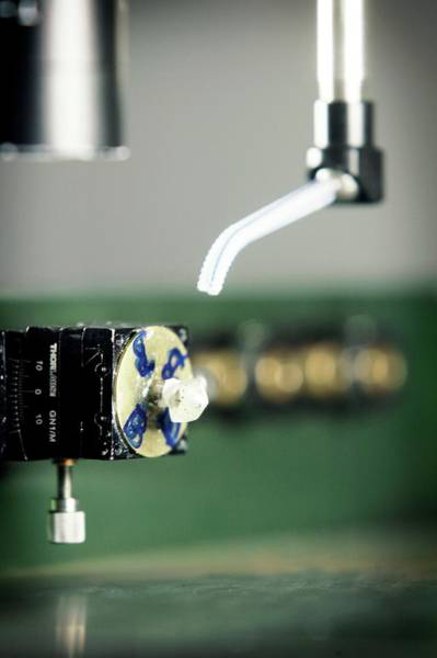 Uncut Photograph - Automated Diamond Cutting by Christophe Vander Eecken/reporters/science Photo Library
