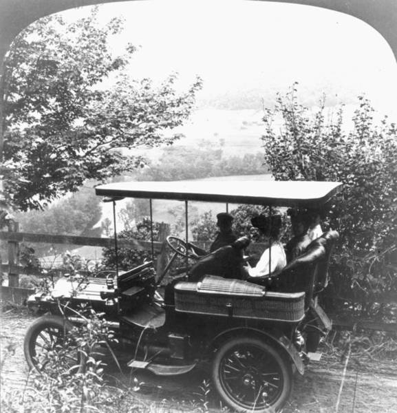 Photograph - Automobile, 1906 by Granger