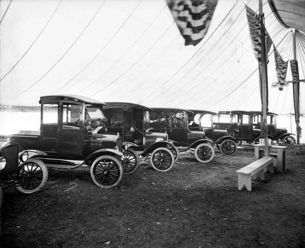 Wall Art - Photograph - Automobile Show, C1921 by Granger