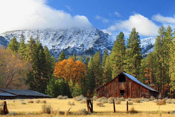 Photograph - Autumn Barn At Thompson Peak by James Eddy