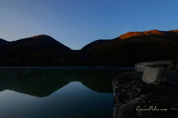 Photograph - Autunno Alba Sul Lago - Autumn Lake Dawn 9568 by Enrico Pelos
