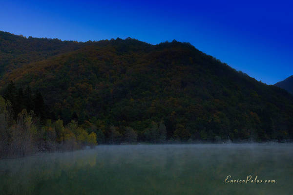 Photograph - Autunno Alba Sul Lago - Autumn Lake Dawn 9576 by Enrico Pelos
