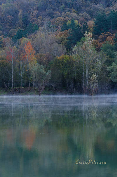 Photograph - Autunno Alba Sul Lago - Autumn Lake Dawn 9615 by Enrico Pelos