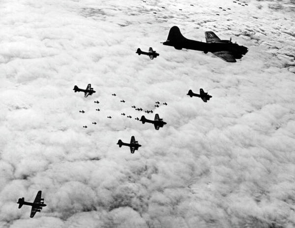 Photograph - B-17 Flying Fortresses by Underwood Archives