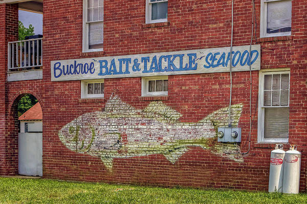 Photograph - Buckroe Bait Tackle Seafood Shop by Jerry Gammon