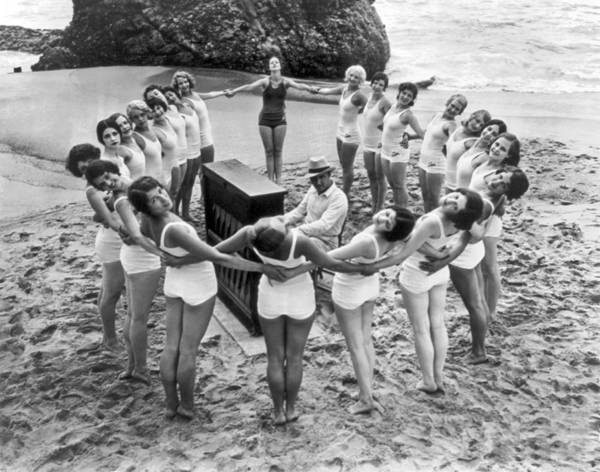 1925 Photograph - Ballet Rehearsal On The Beach by Underwood Archives