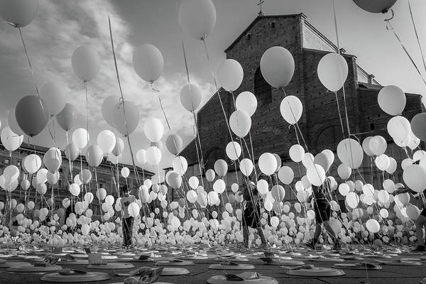Festival Photograph - Balloons For Charity by Giorgio Lulli
