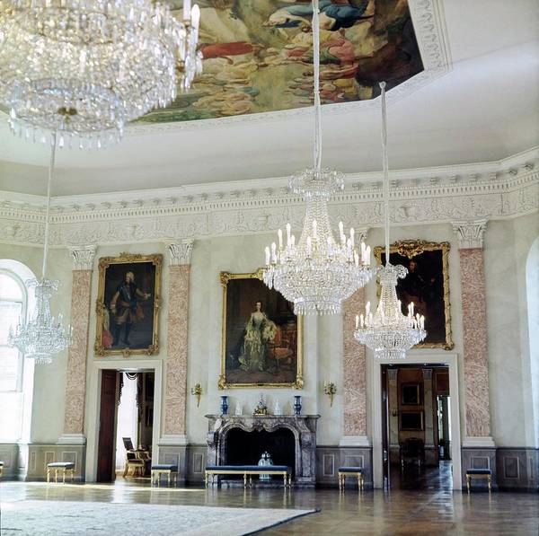 Official Residence Photograph - Banquet Hall At Schloss Fasanerie by Horst P. Horst