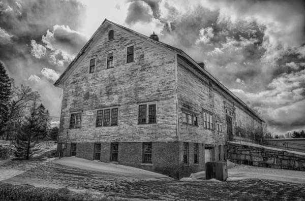 Photograph - Barn At Amhi   7k00333 by Guy Whiteley