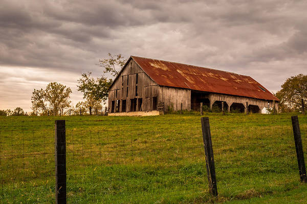 Photograph - Barn On The Hill by Ron Pate