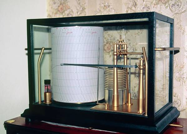 Met Photograph - Barograph by British Crown Copyright, The Met Office / Science Photo Library