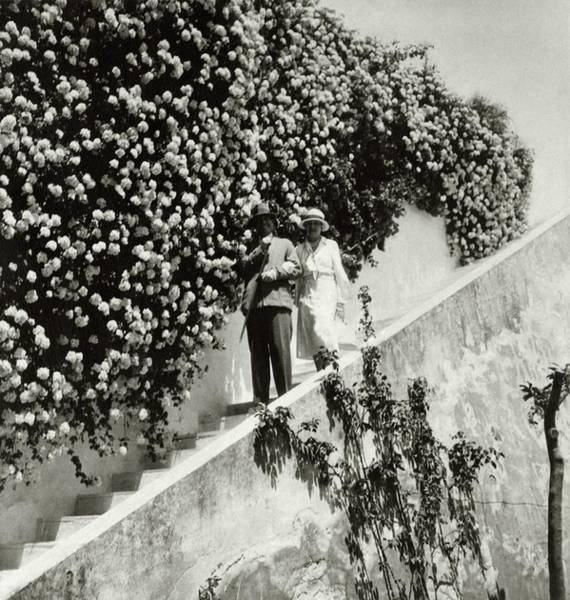 Staircase Photograph - Baron Rodolphe D'erlanger And Lady Mendl by John McMullin
