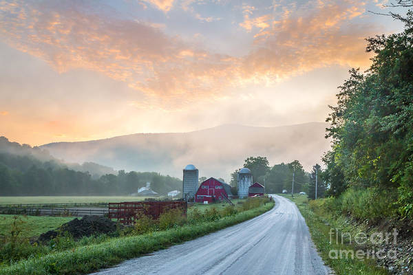 Arlington County Photograph - Battenkill Farm Dawn by Susan Cole Kelly