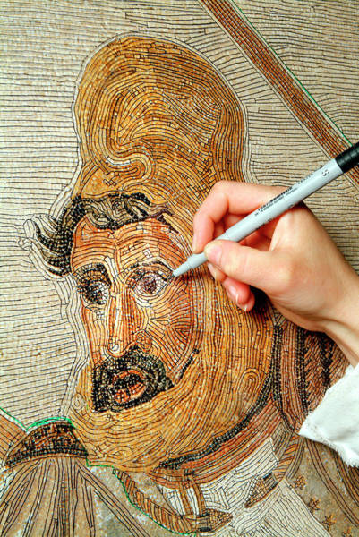 Pasquale Photograph - Battle Of Issus Mosaic Reconstruction by Pasquale Sorrentino/science Photo Library