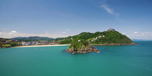 San Sebastian Photograph - Bay With Isla De Santa Clara And Monte by David C Tomlinson