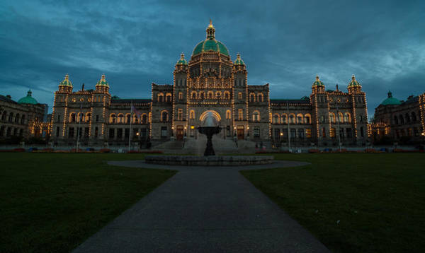 Victoria Harbor Wall Art - Photograph - Bc Government Buildings At Dusk by Mike Reid