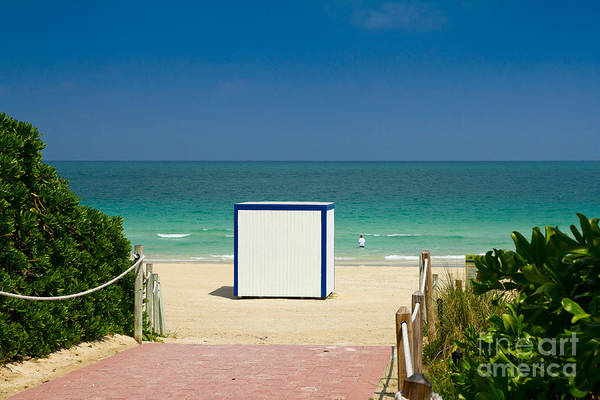 Photograph - Beach Entrance by Les Palenik
