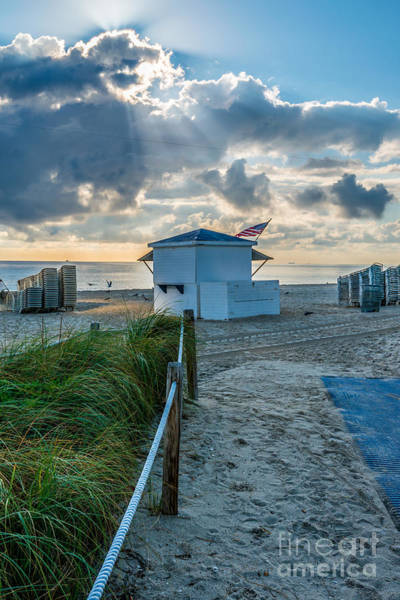Station To Station Photograph - Beach Entrance To Old Glory by Ian Monk