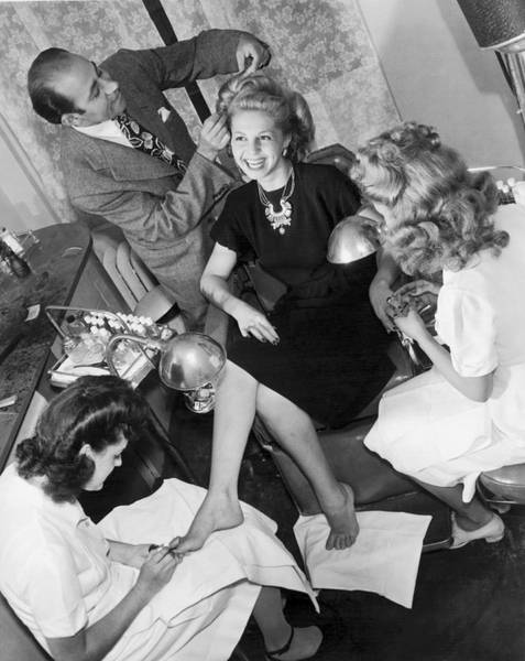 Length Photograph - Beauty Salon Glamorizing by Underwood Archives