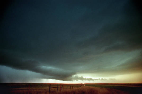 Grey Cloud Photograph - Beaver Tail Cloud by Jim Reed/science Photo Library