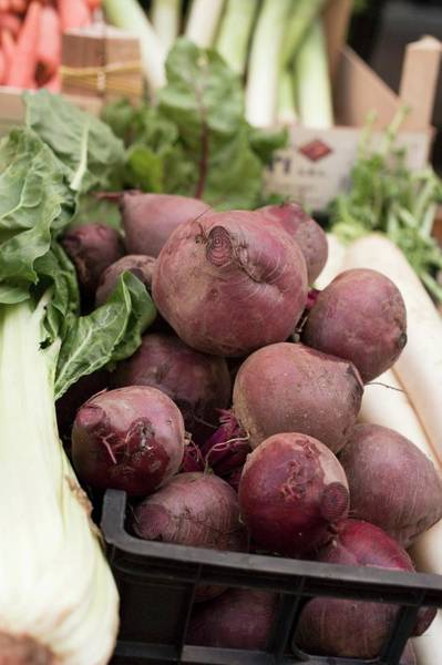 Wall Art - Photograph - Beetroot In A Crate At A Market by Foodcollection