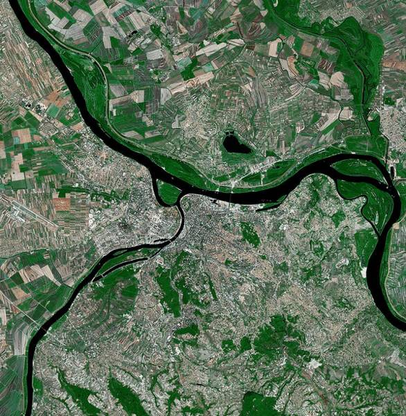 Landsat 7 Wall Art - Photograph - Belgrade by Mda Information Systems/science Photo Library