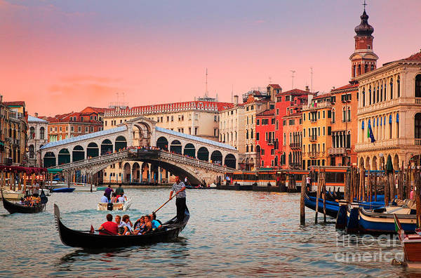 Italy Photograph - La Bella Canal Grande by Inge Johnsson