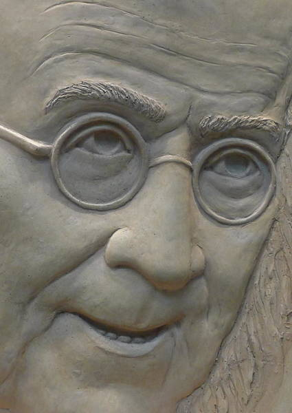 Photograph - Ben Franklin Relief I by Richard Reeve