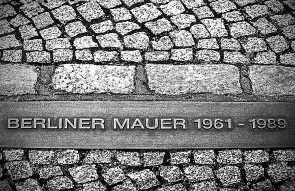Photograph - Berliner Mauer by Ryan Wyckoff
