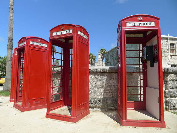 Photograph - Bermuda Phone Boxes 1 by Richard Reeve