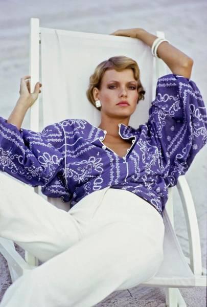 Deck Chair Photograph - Beska Sorensen Wearing Anne Klein by Arthur Elgort