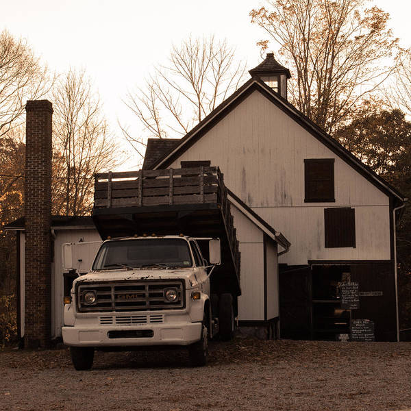 Dump Truck Photograph - Clyde's Cider Mill Truck by Kirkodd Photography Of New England