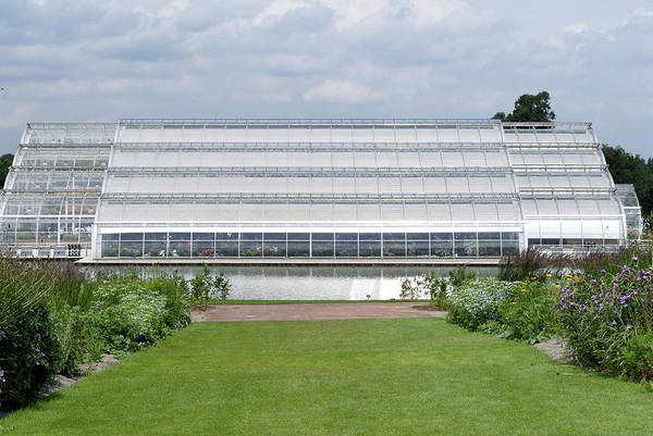 Glasshouse Photograph - Bicentenary Glasshouse by Anthony Cooper/science Photo Library
