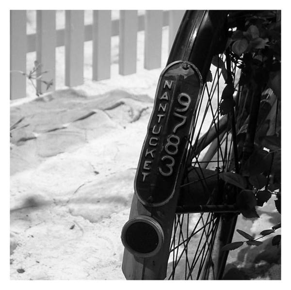 Photograph - Bicycle - Nantucket 9783 by Richard Reeve