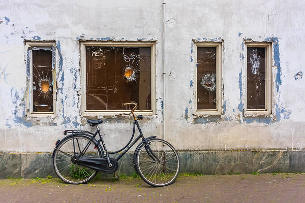 Photograph - Bicycle by Susan Leonard