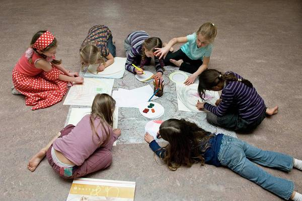 Wall Art - Photograph - Biodanza Session For Children by Henny Allis/science Photo Library