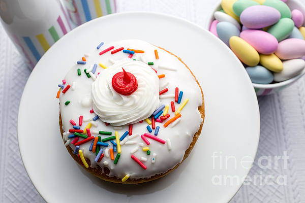 Photograph - Birthday Party Donut by Edward Fielding