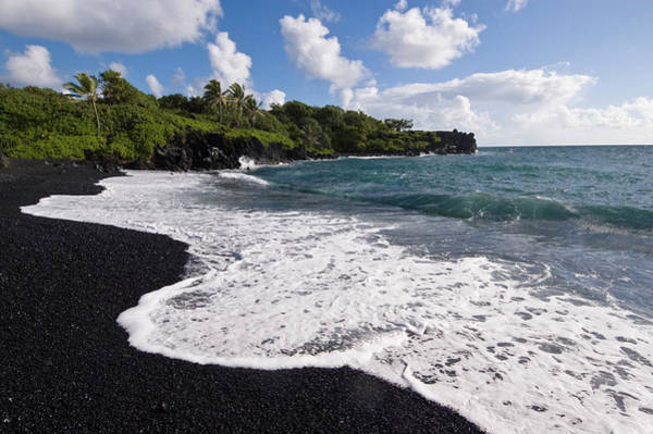 Maui Photograph - Black Sand Beach In Waianapanapa State by John Elk