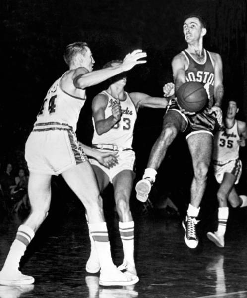 Wall Art - Photograph - Bob Cousy Passes Basketball by Underwood Archives