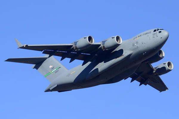 C-17 Photograph - Boeing C-17a Globemaster 3 Phoenix Sky Harbor January 5 2015 by Brian Lockett