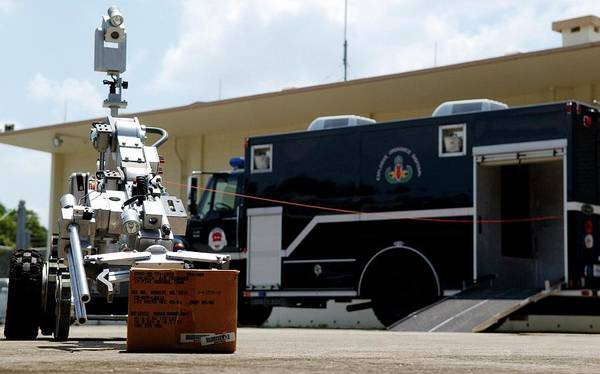 Andros Photograph - Bomb Disposal Robot by Us Air Force/rey Ramon